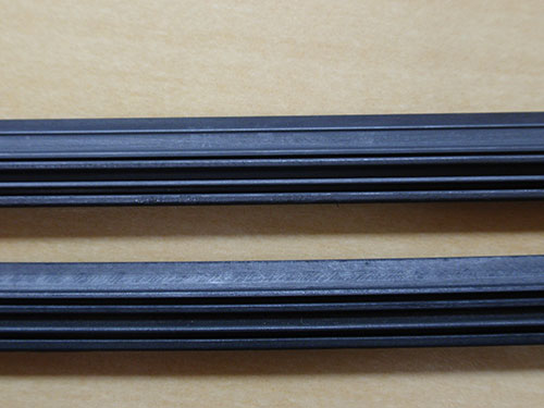 ​Wiper blade (Top: new wiper blade; bottom: blade after durability test)